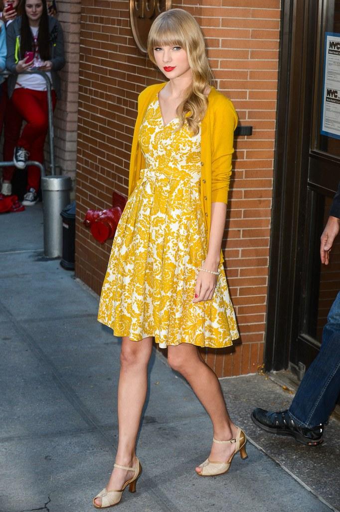 Taylor Swift thừa kế di sản thời trang của Công nương Diana