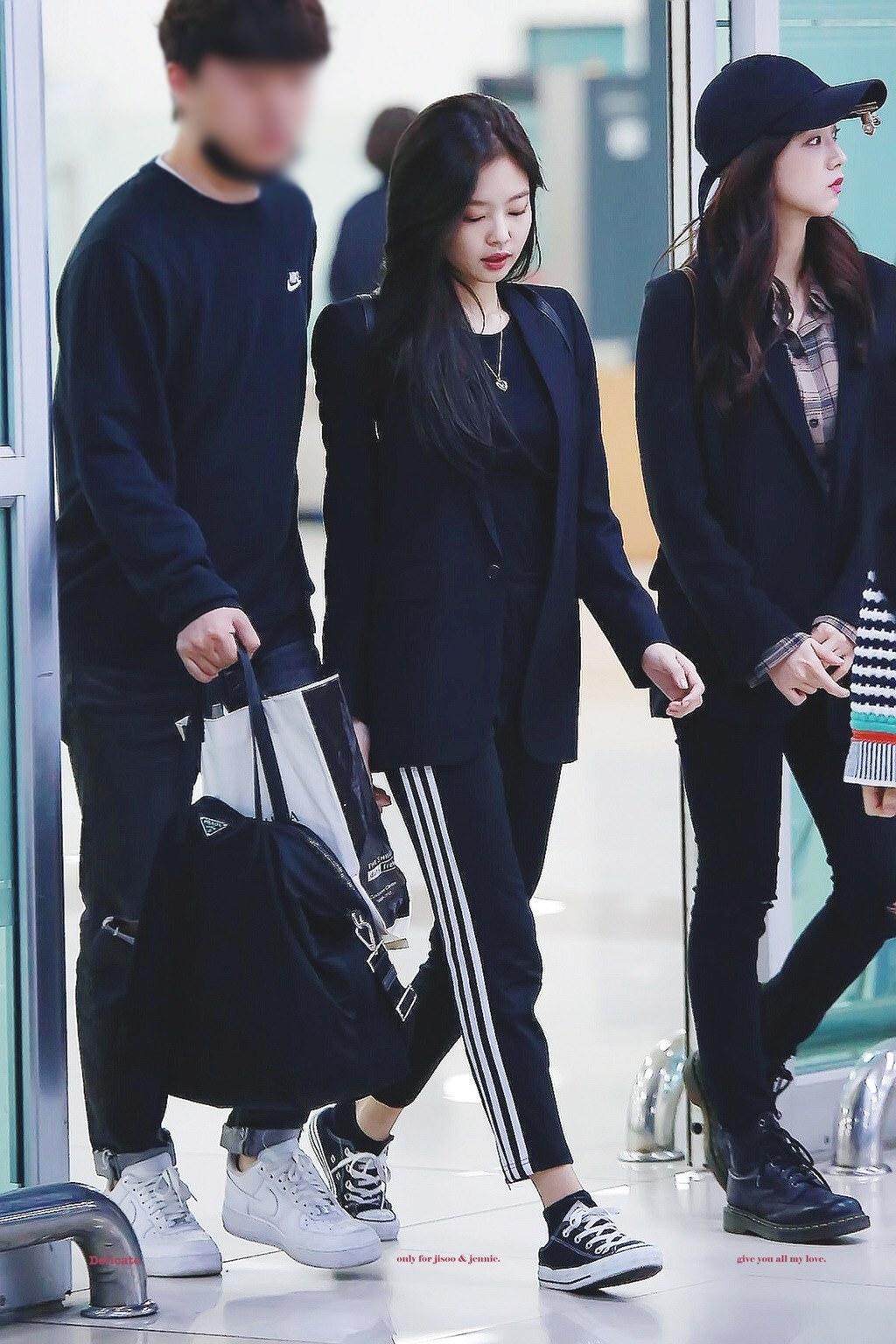 áo khoác mùa Thu Jennie Kim 11