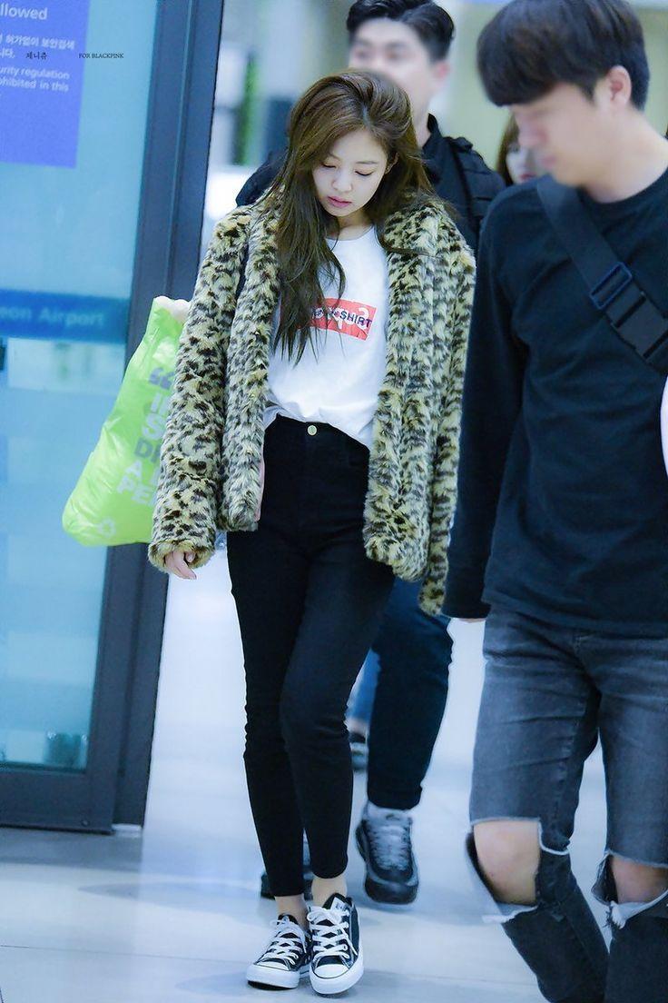 áo khoác mùa Thu Jennie Kim 6