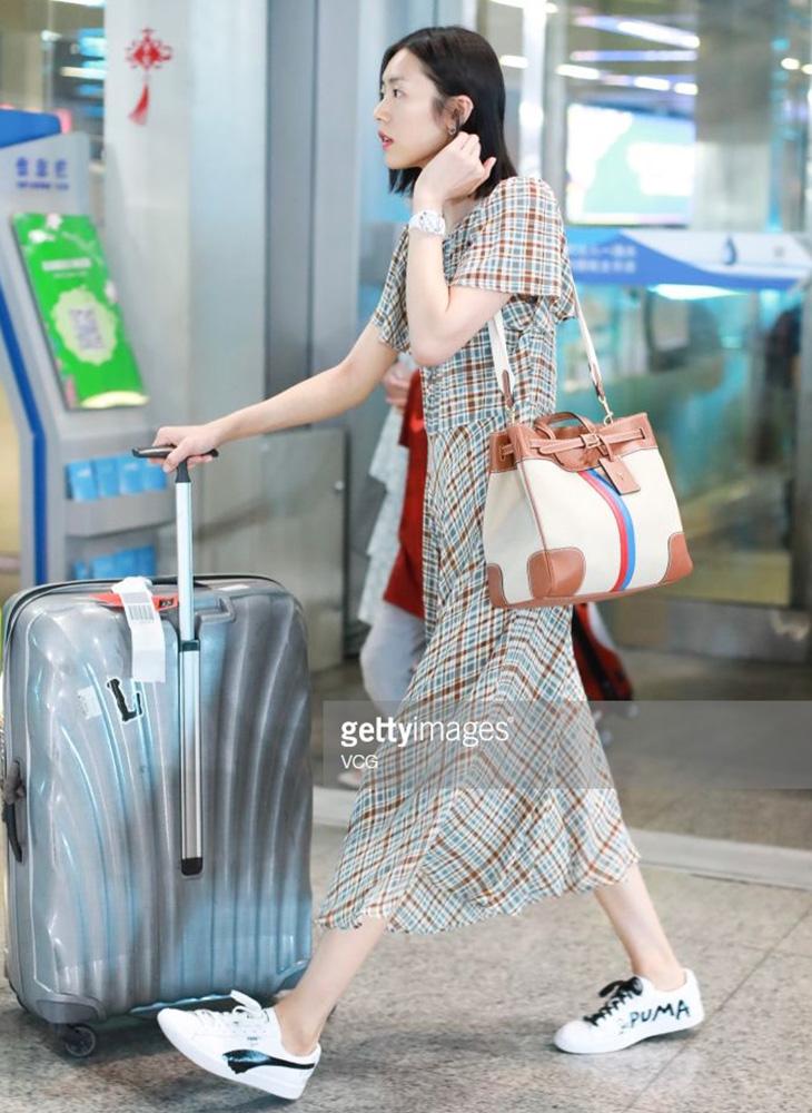 elle việt nam thời trang sân bay liu wen.