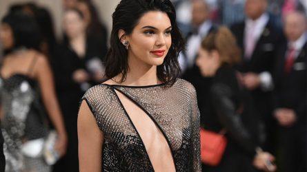 [Điểm tin thời trang] Kendall Jenner bị chỉ trích vì xúc phạm nghề người mẫu, Rihanna sẽ đến Fashion Week với tư cách nhà thiết kế