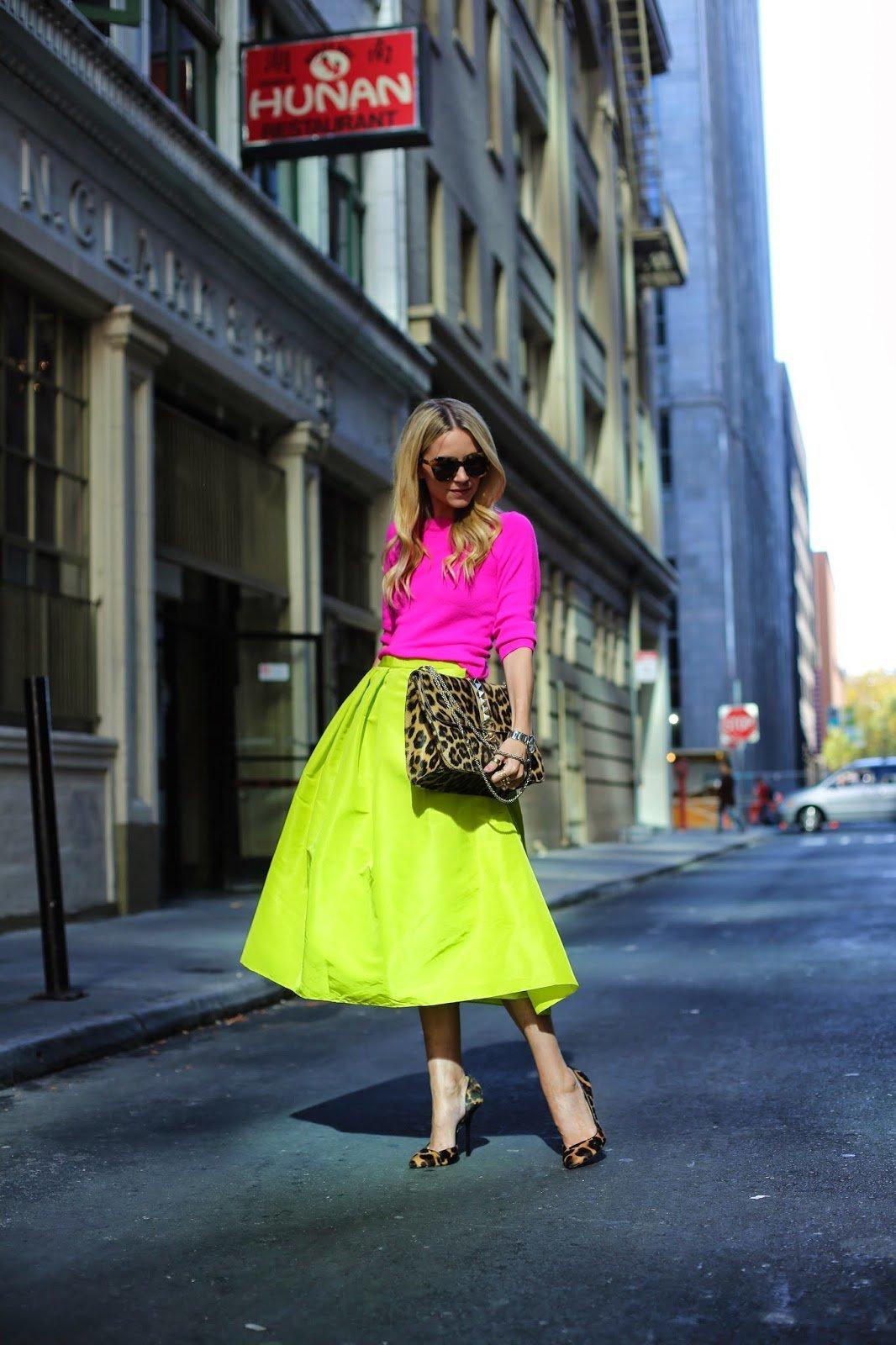 thời trang đường phố sắc màu neon