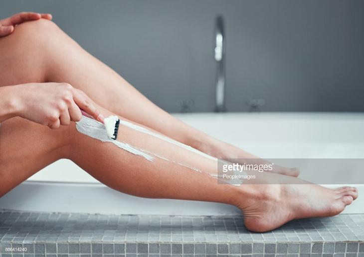 cạo lông chân 2