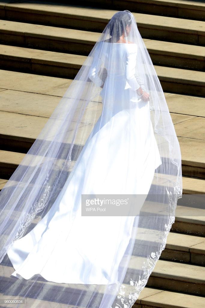 điểm tin thời trang váy cưới của Meghan Markle 2