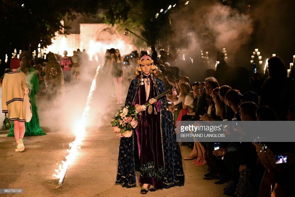 điểm tin thời trang váy cưới của Meghan Markle 7