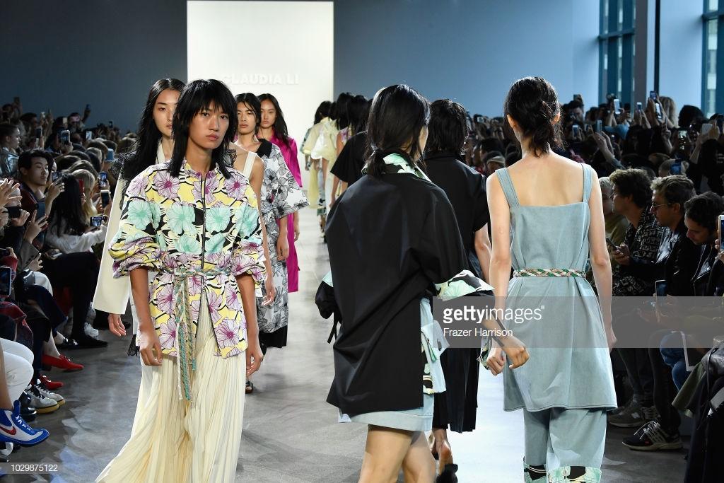 show thời trang toàn người mẫu châu Á 1