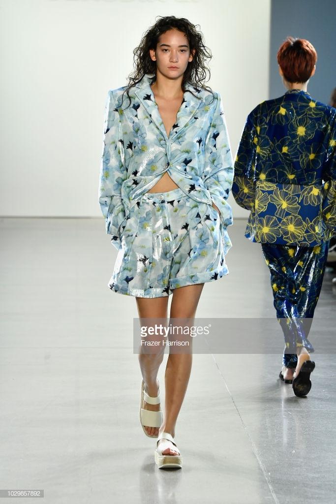 show thời trang toàn người mẫu châu Á3