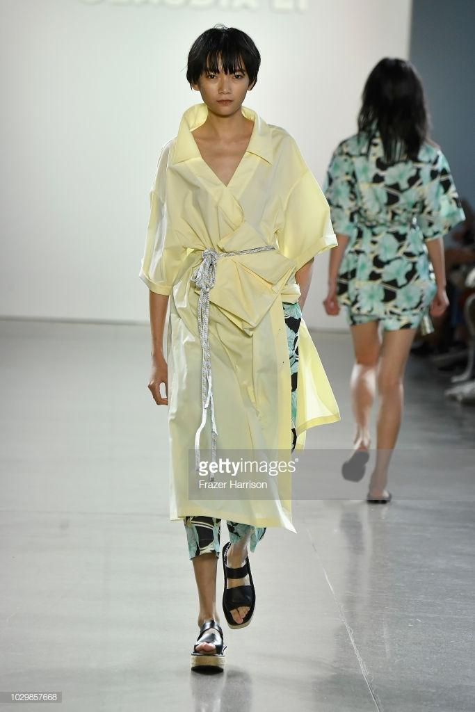 show thời trang toàn người mẫu châu Á5