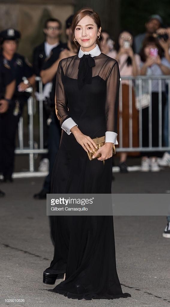 Lý Băng Băng đọ sắc tại Tuần lễ thời trang New York 2019 2
