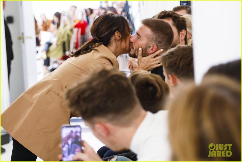 David Beckham và các con tới ủng hộ show diễn kỷ niệm 10 năm của Victoria Beckham.