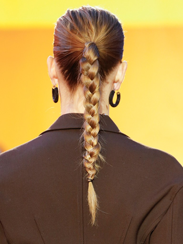 cách tạo kiểu tóc đẹp chơi thể thao 07