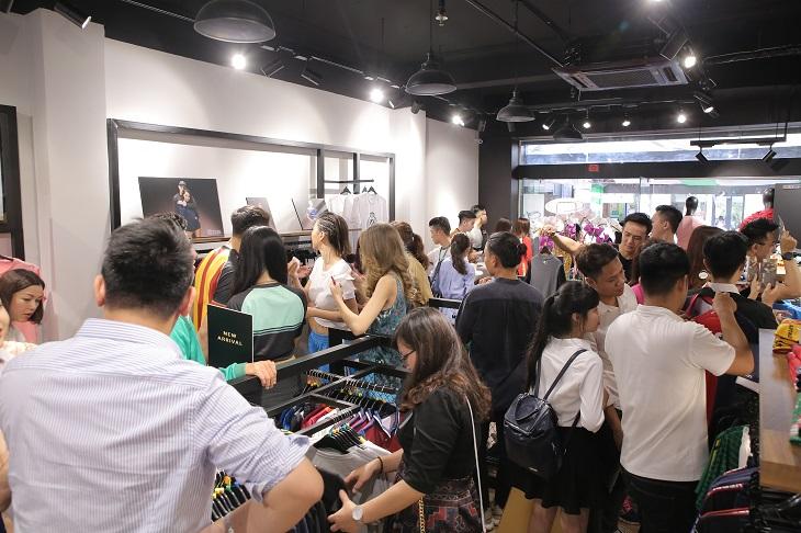 J – SPORT chính thức khai trương cửa hàng đầu tiên tại Việt Nam 08