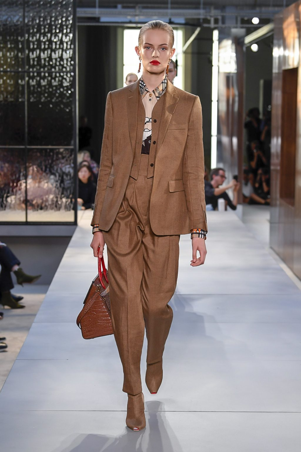 thời trang Burberry London Fashion Week 2019 12