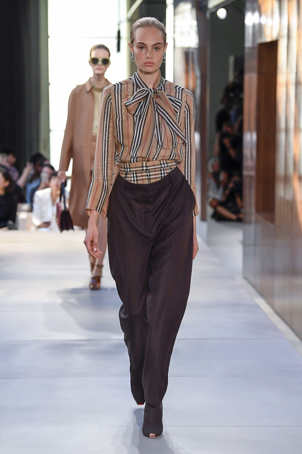 thời trang Burberry London Fashion Week 2019 6