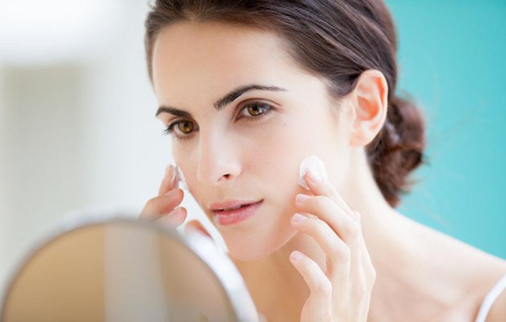 cách chăm sóc da mặt Natural Dermatology