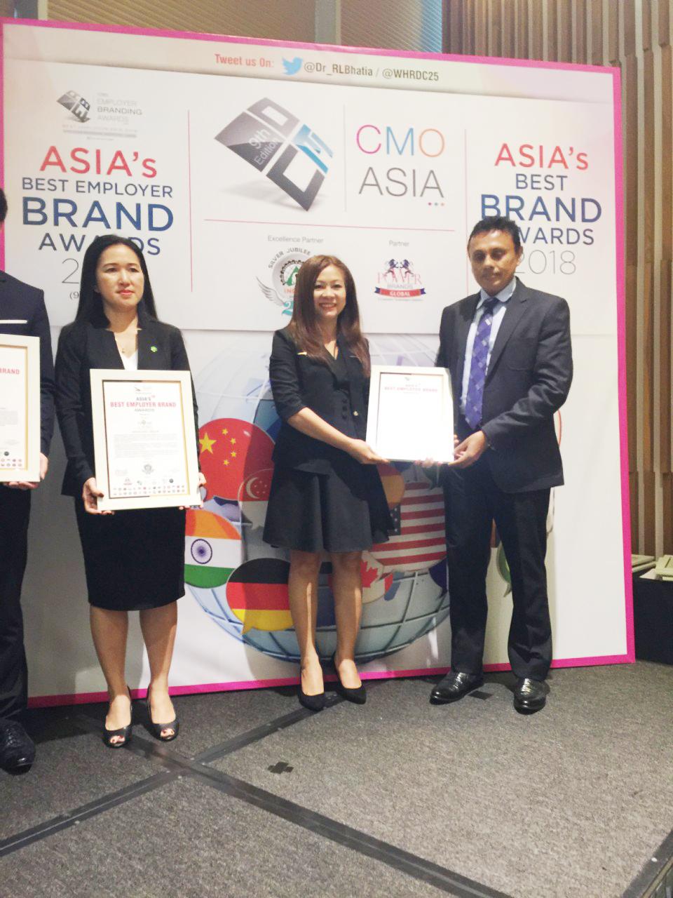 Nhà phân phối hàng hiệu DAFC được vinh danh tại giải thưởng châu Á 01