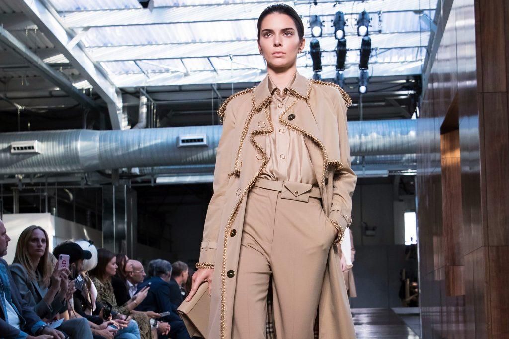 dấu ấn tuần lễ thời trang london 2019 3
