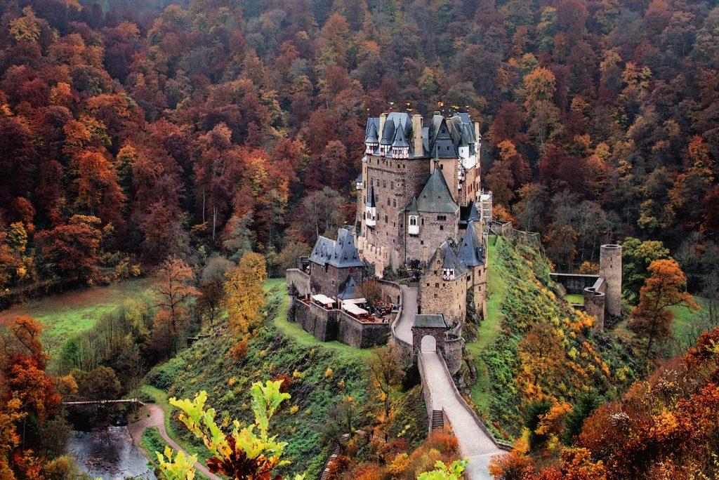 elle việt nam lâu đài Eltz 2
