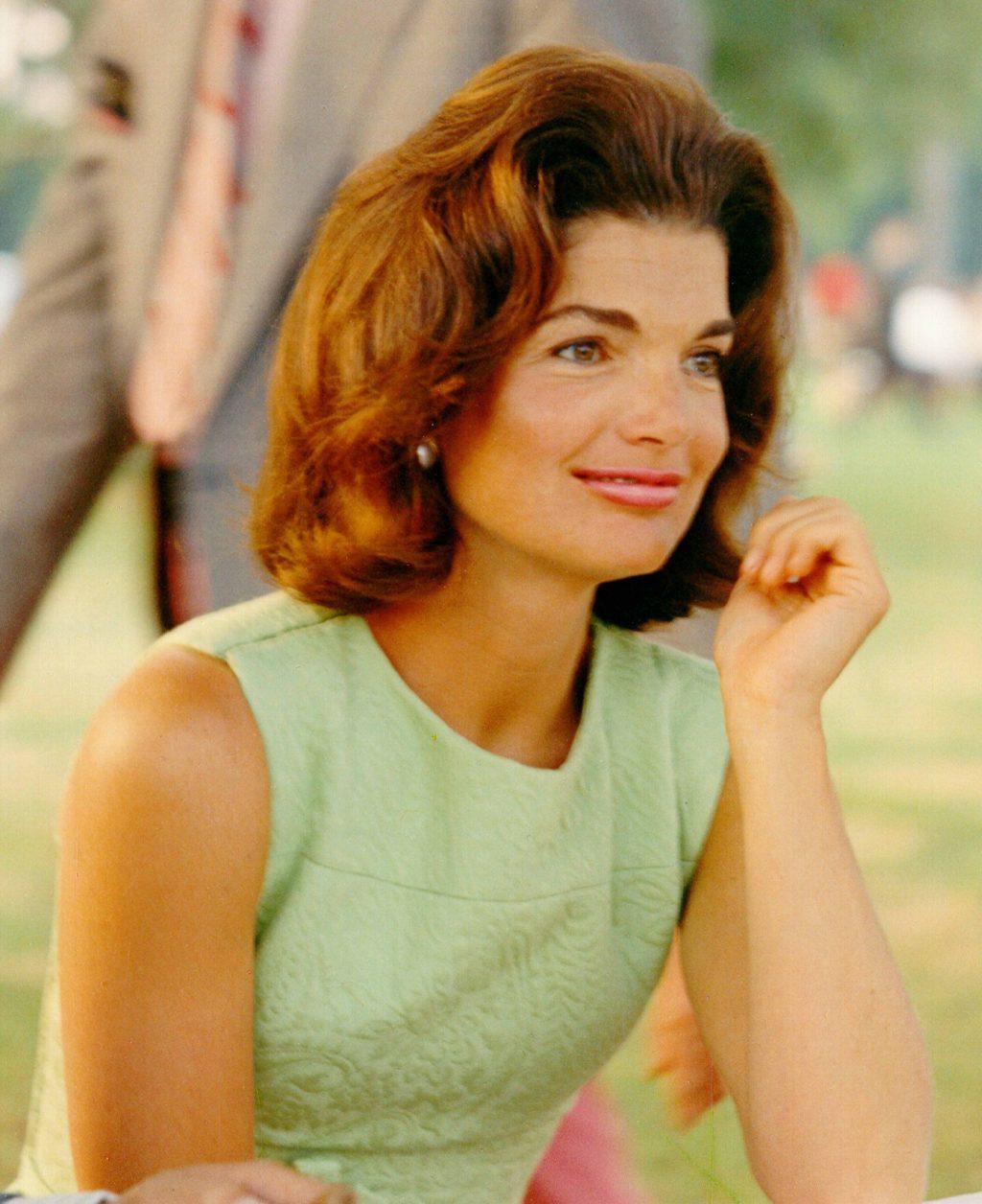 Jackie Kennedy bài học làm đẹp 3