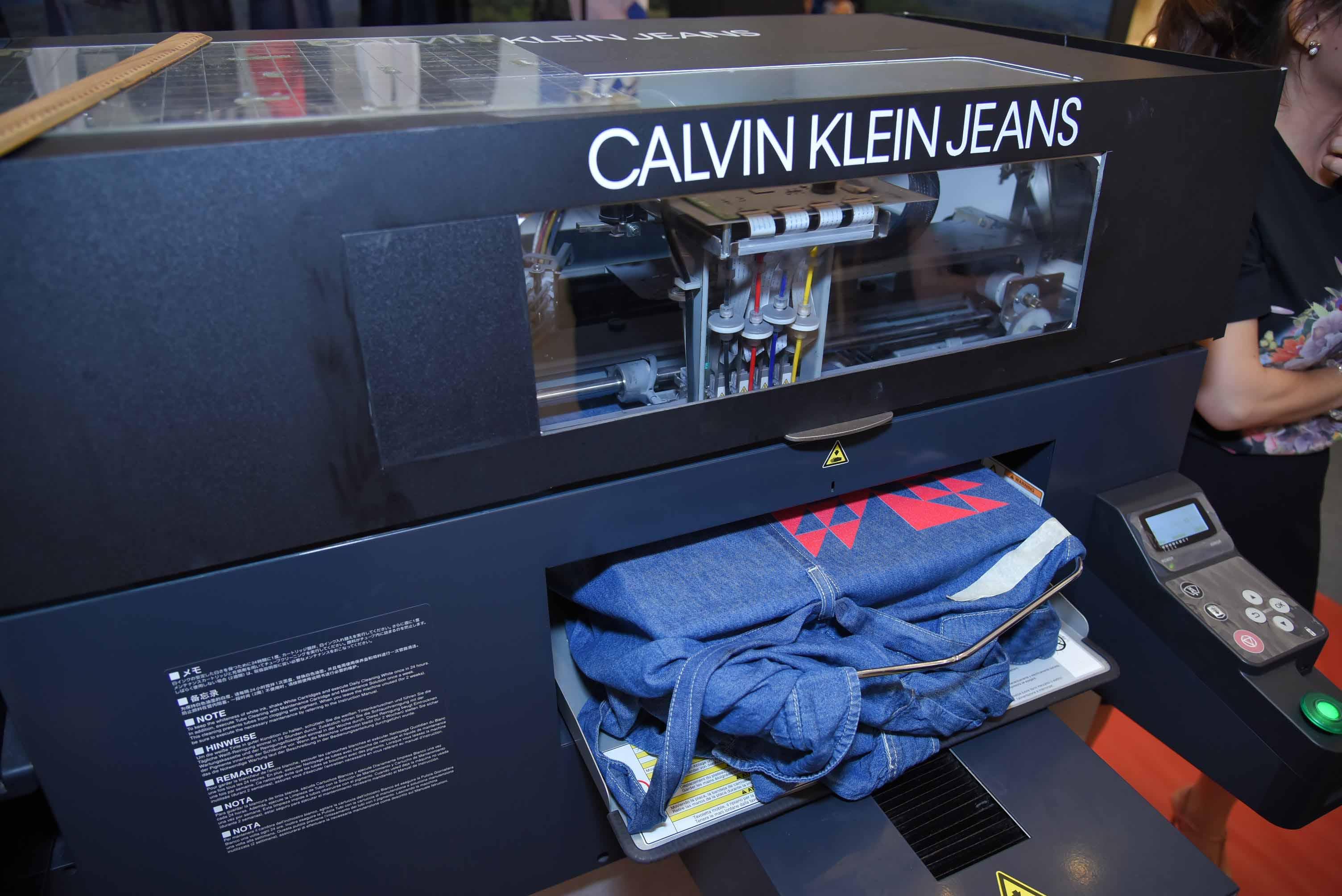 calvin klein pop-up store11