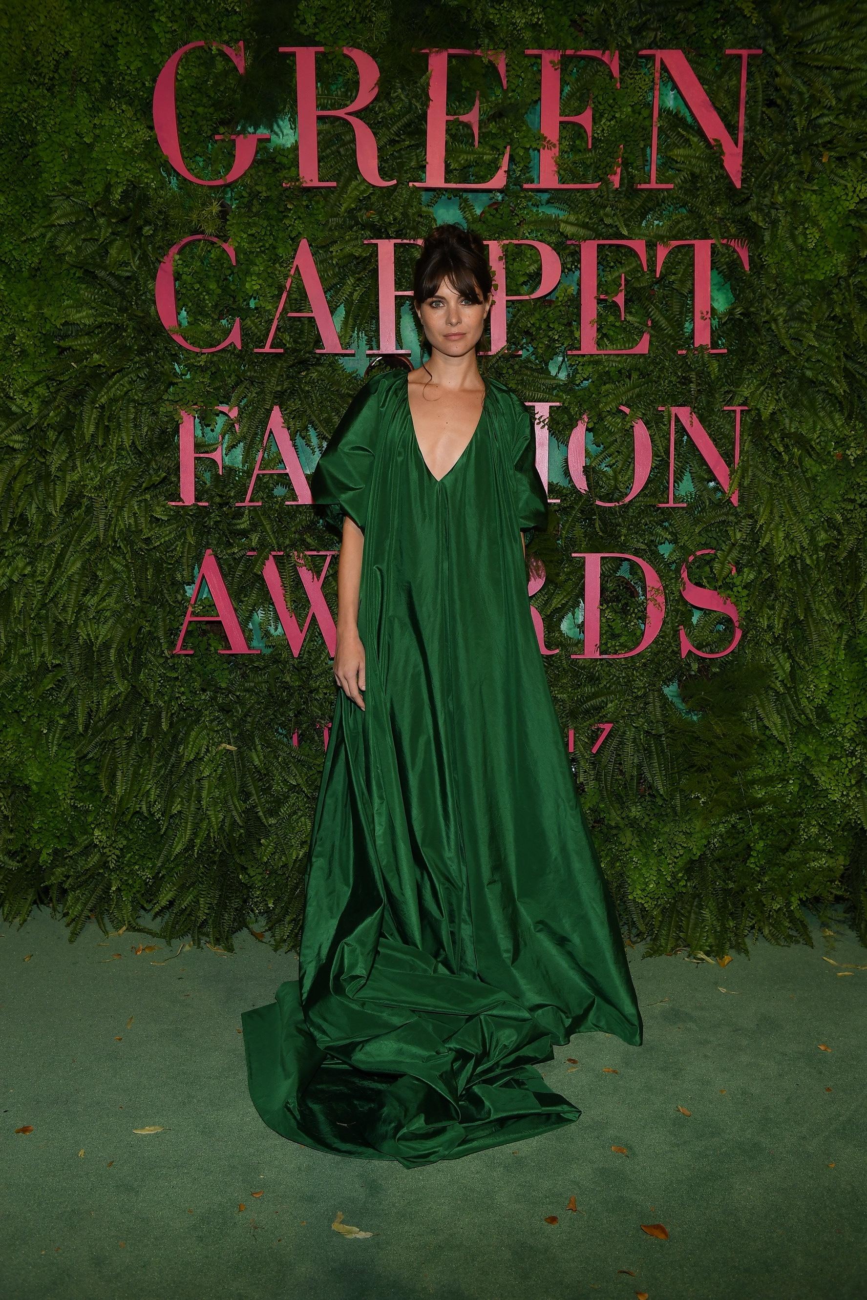 thảm xanh giải thưởng thời trang xanh