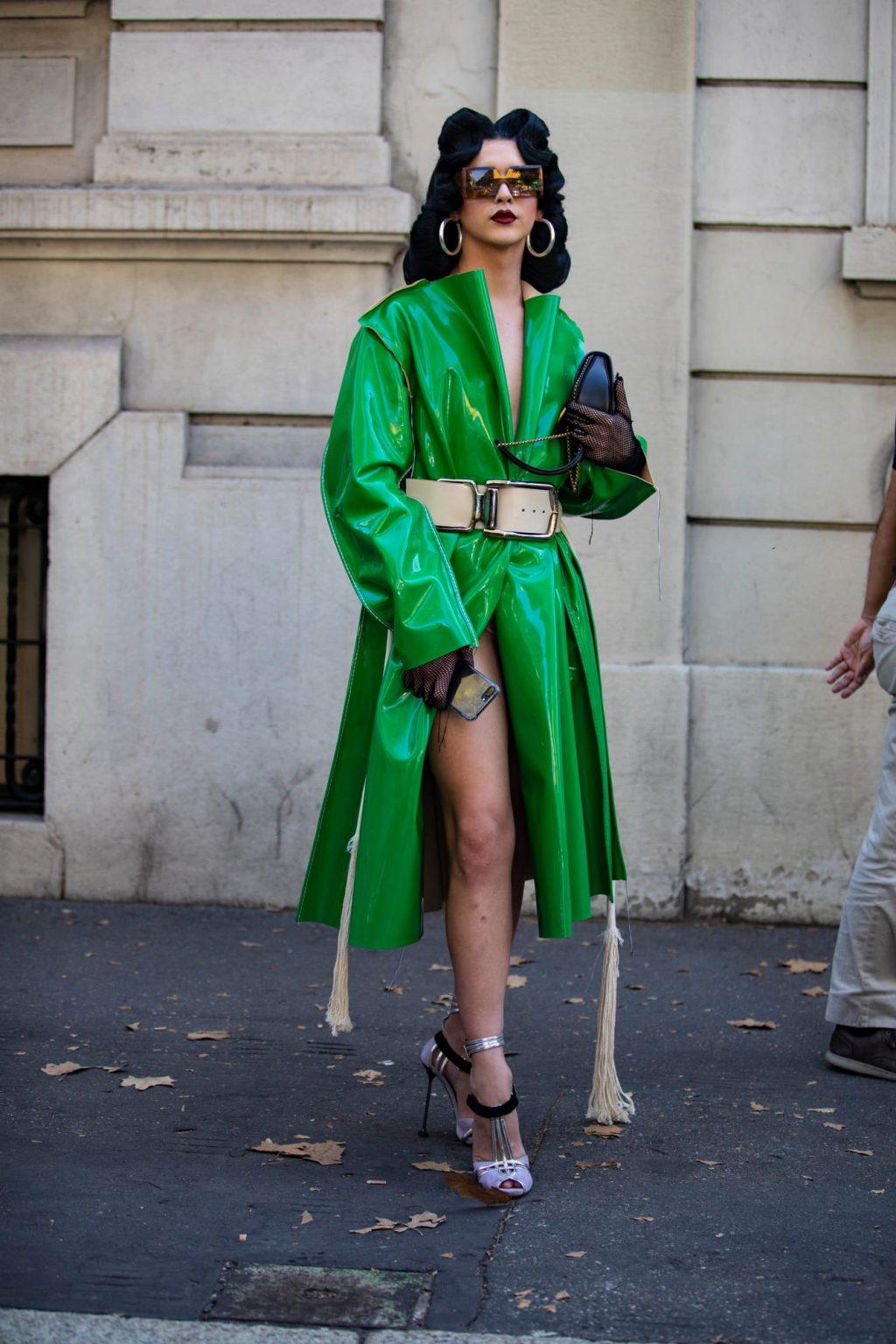 street style tuần lễ thời trang màu sắc nổi bật 2