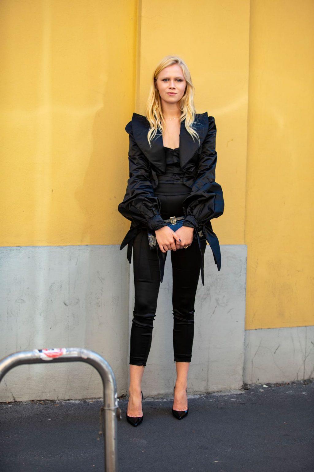 street style tuần lễ thời trang Milan chi tiết phóng đại 3