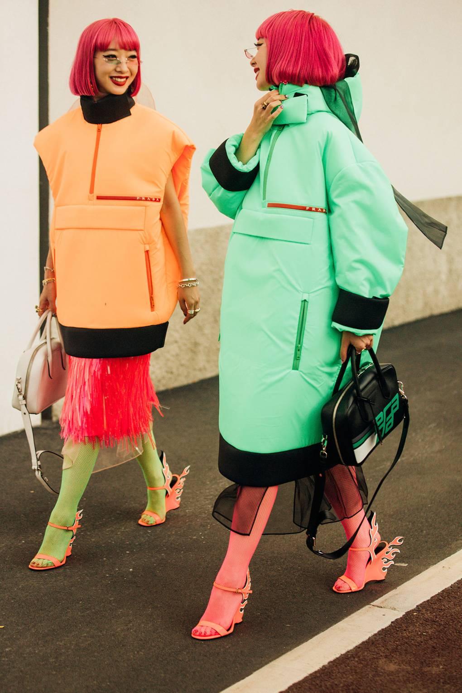 street style tuần lễ thời trang màu sắc nổi bật 16