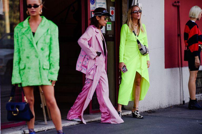street style tuần lễ thời trang màu sắc nổi bật 8