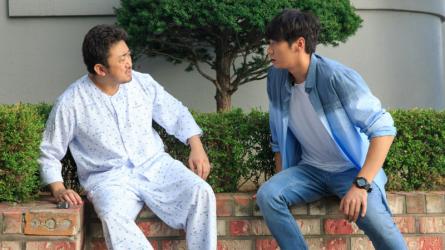 Bạn Ma Phiền Toái - Phim ma ngập tràn tiếng cười và cảm xúc