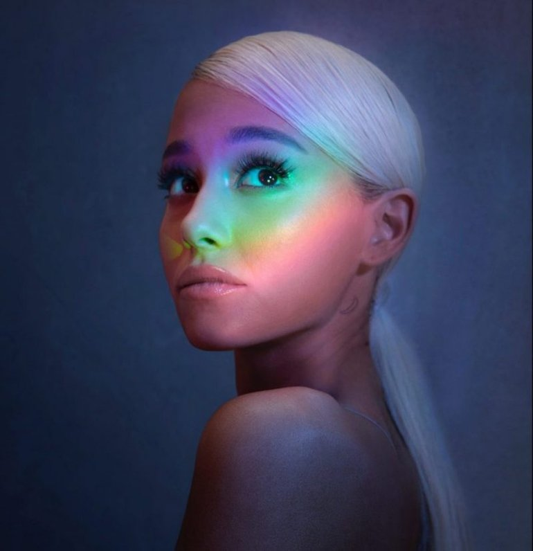 ca sĩ ariana grande no tears left to cry