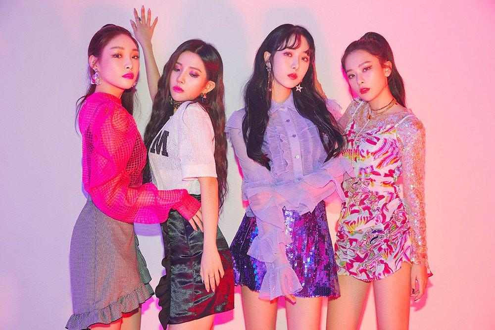 Tắc kè hoa trong phong cách thời trang của Seulgi (Red Velvet)