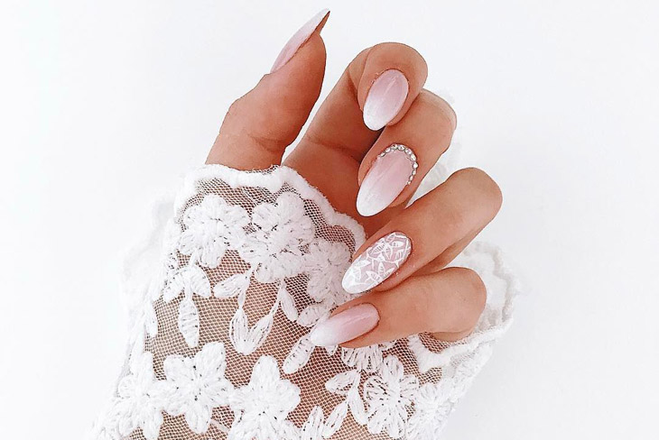 Mê mẫn với 10 kiểu móng tay đẹp cho ngày cưới 12