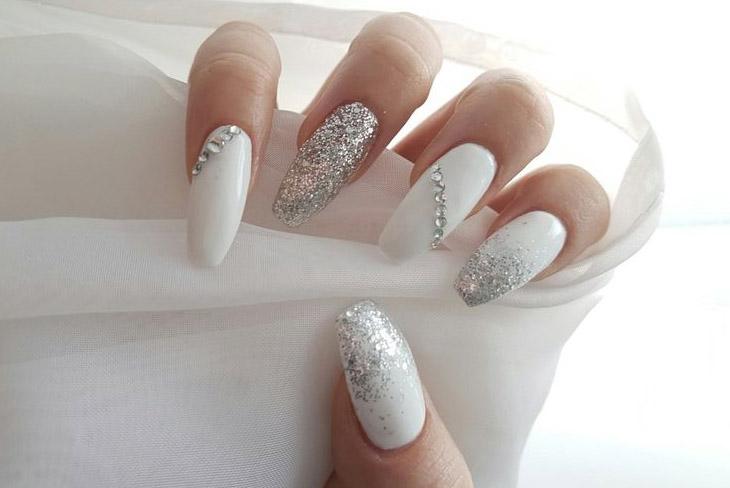 Mê mẫn với 10 kiểu móng tay đẹp cho ngày cưới 13