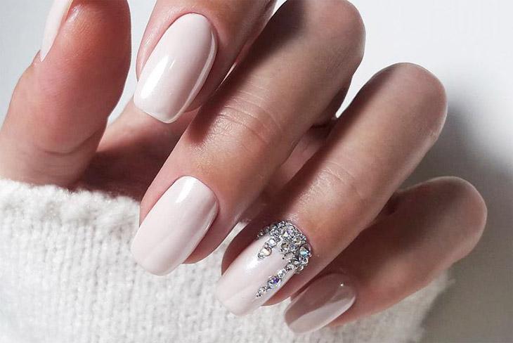 Mê mẫn với 10 kiểu móng tay đẹp cho ngày cưới 14