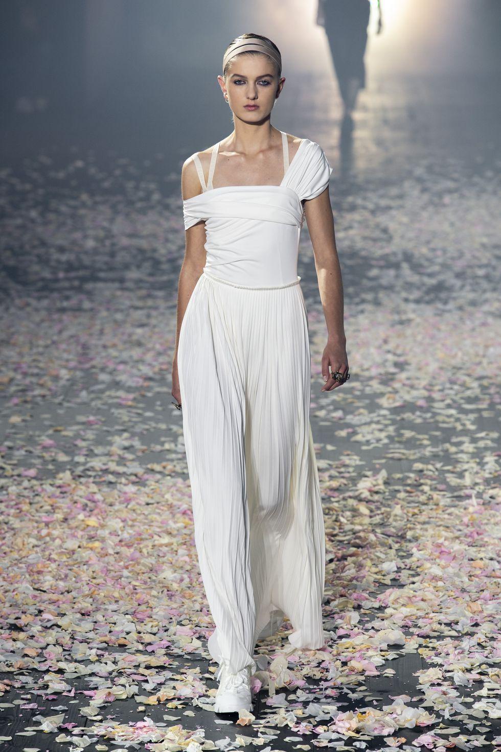 Tuần lễ thời trang Paris 2019 Dior 02