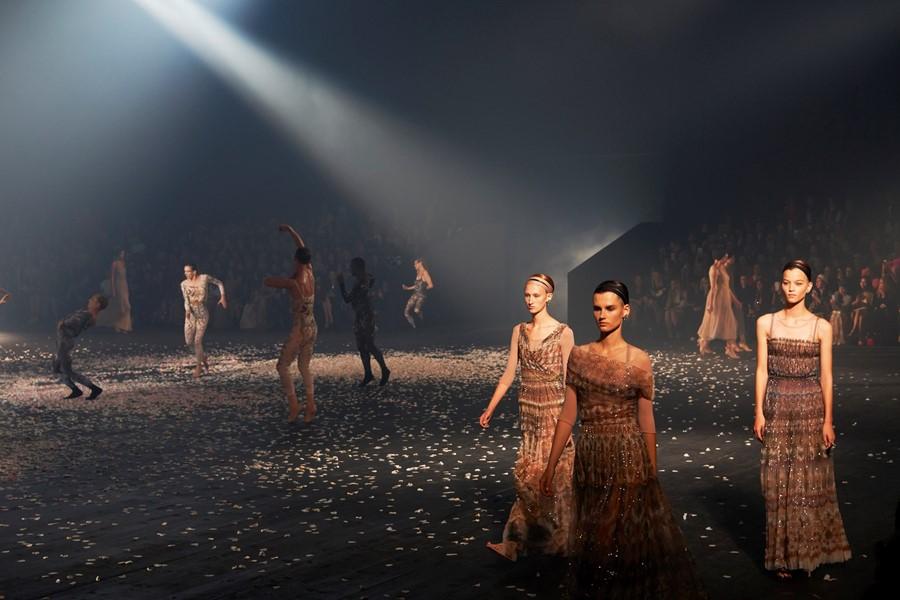 Tuần lễ Thời trang Paris 2019 Dior 01