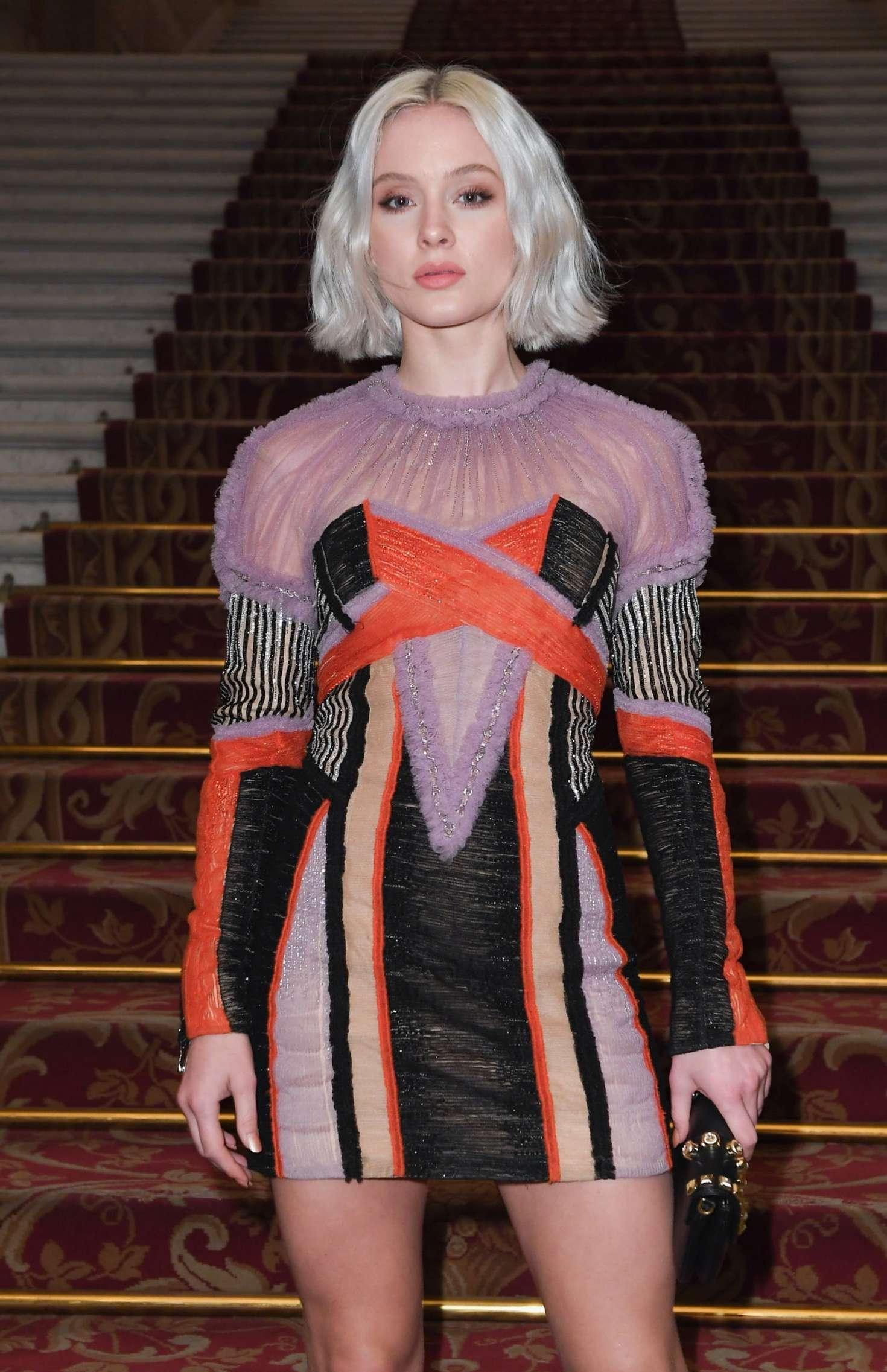 sao quốc tế tại tuần lễ thời trang paris 2019 13