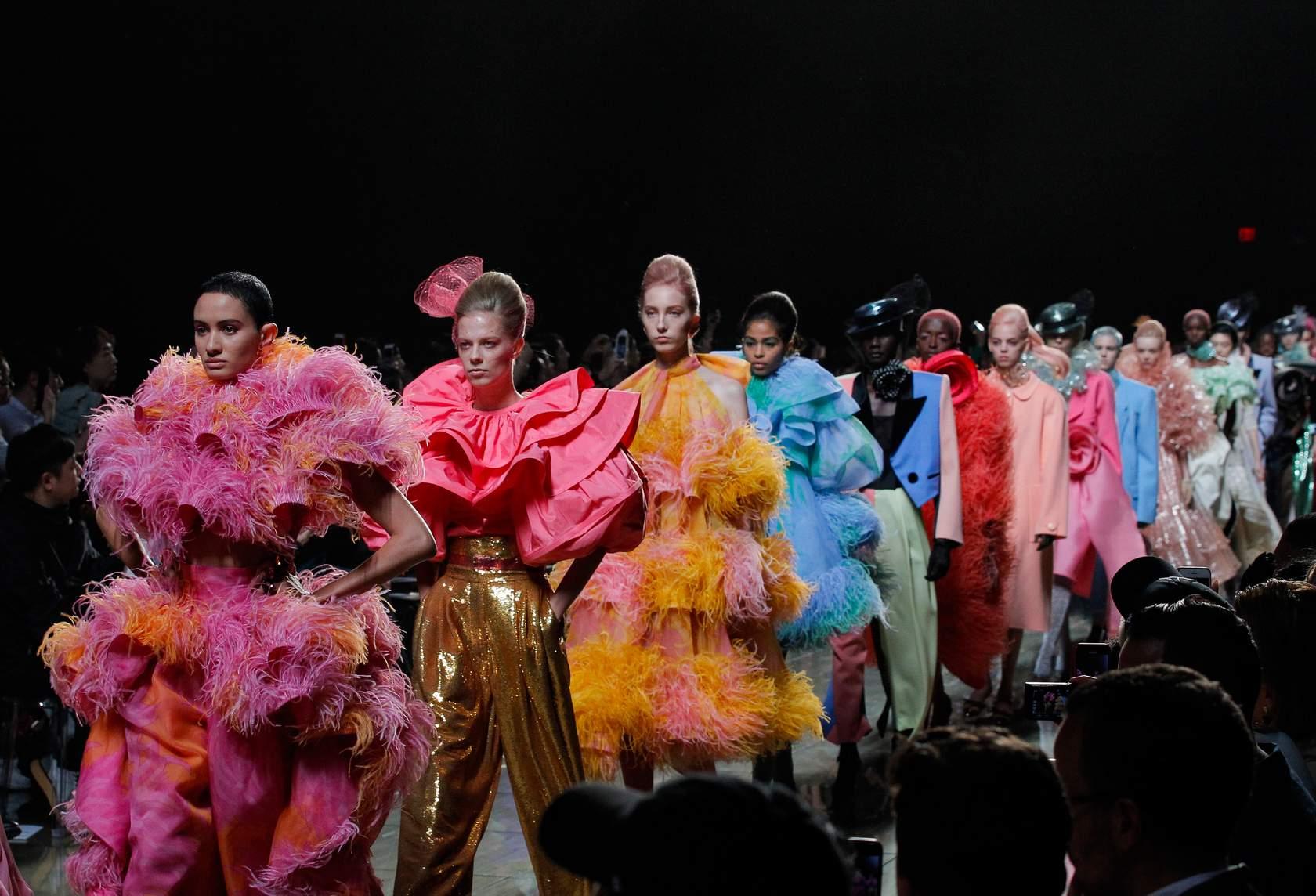 xu hướng thời trang lên ngôi tại Tuần lễ Thời trang Xuân – Hè 2019 52