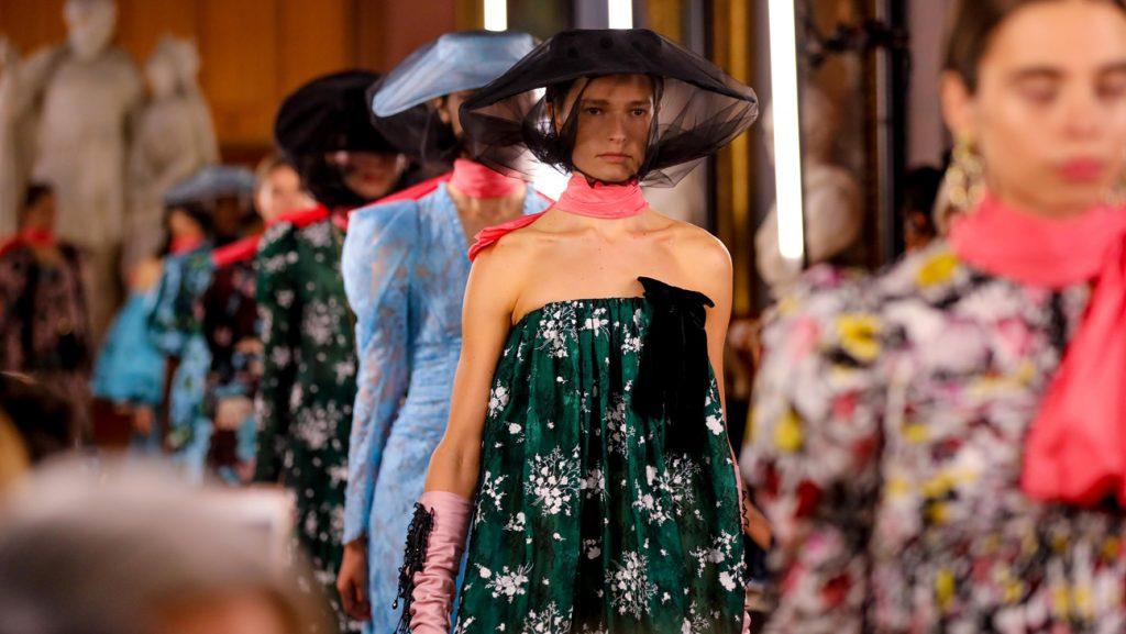 xu hướng thời trang lên ngôi tại Tuần lễ Thời trang Xuân – Hè 2019 62