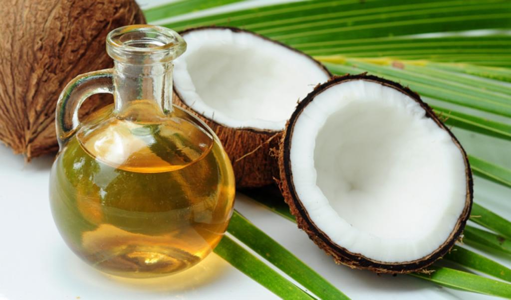 Phục hồi môi hồng nguyên bản từ tinh dầu dừa tự nhiên 5