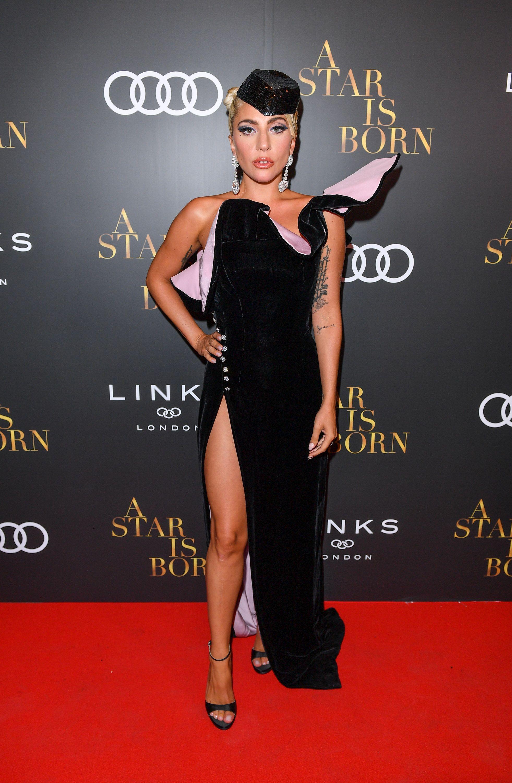 thời trang thảm đỏ Lady Gaga 16