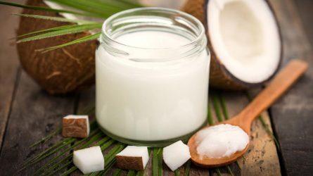 Phục hồi môi hồng nguyên bản từ tinh dầu dừa tự nhiên