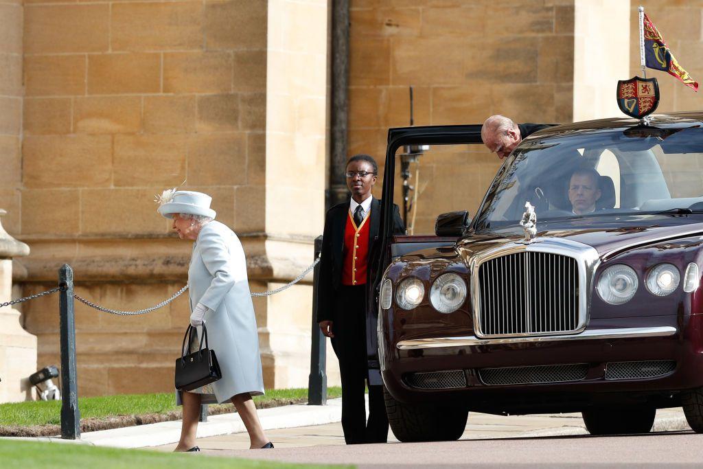 Nữ hoàng Elizabeth II tại đám cưới công chúa Eugenie