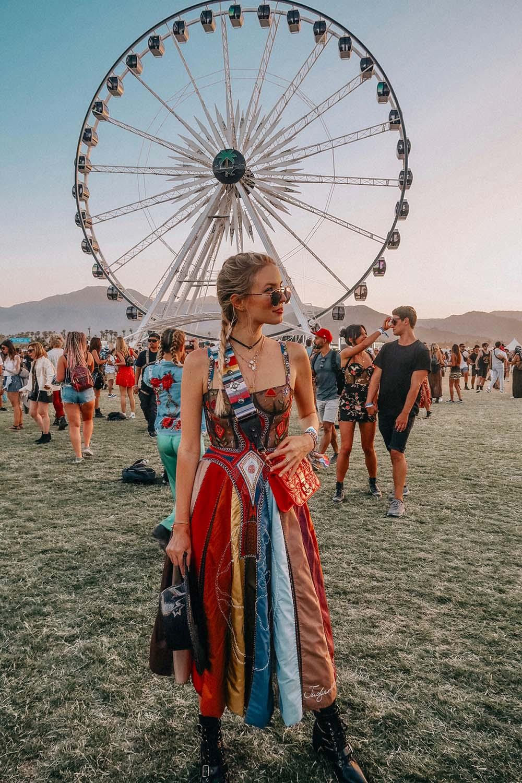 phong cách hippie với váy nhiều lớp đầy màu sắc
