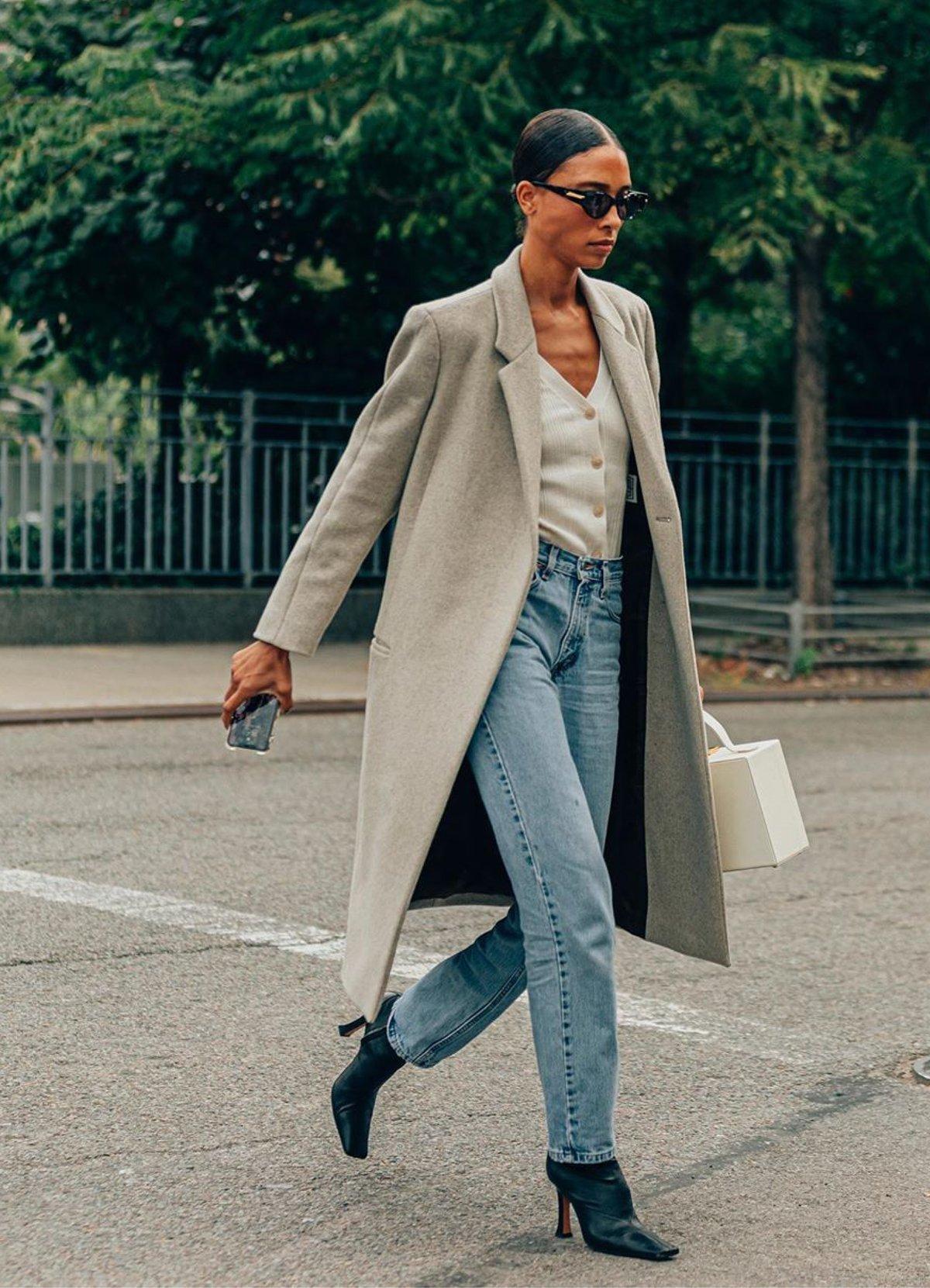 phong cách thời trang tối giản áo dạ cùng quần jeans