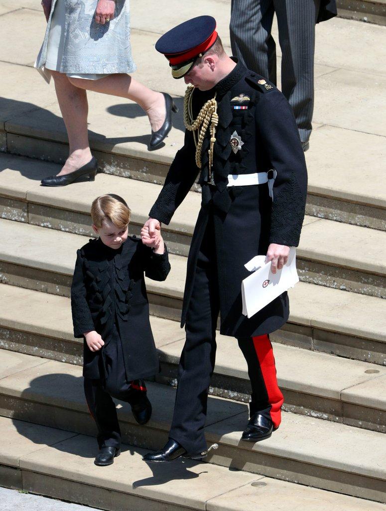 phù rể Hoàng tử George 8