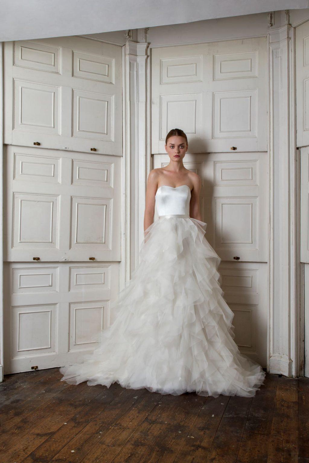 Xu hướng thời trang cưới lấy cảm hứng từ váy cưới của Chiara Ferragni và Meghan Markle 13