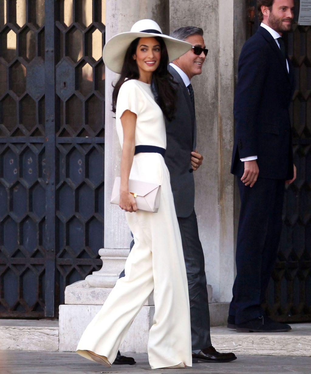 phong cách thời trang cặp đôi Hollywood Amal 02