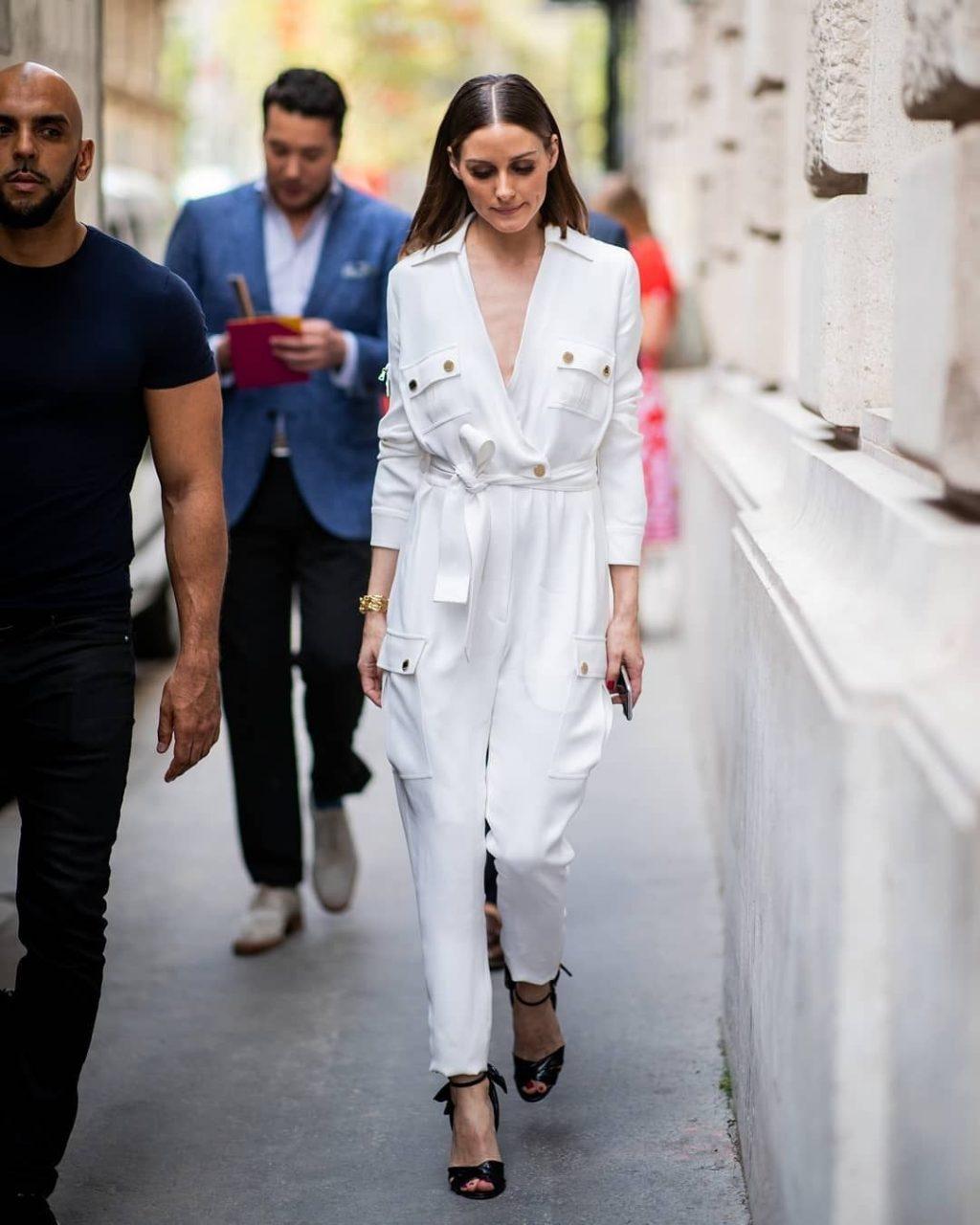 phối đồ công sở thanh lịch với jumpsuit trắng